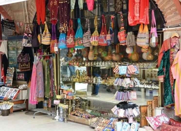 سوق لالالي في إسطنبول